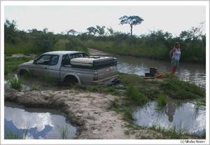 Ботсвана. Застрявший джип