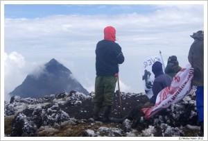 Руанда. Горы Вирунгу. На вершине Карисимби