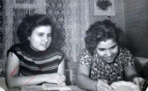 Света и Римма в студенческои общежитии МНИ